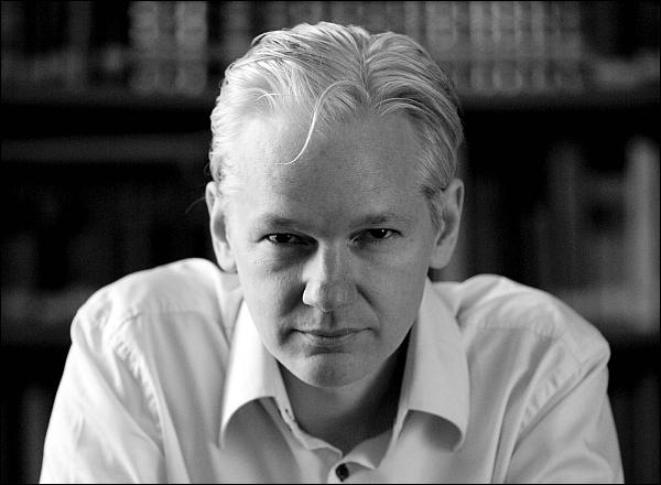 http://www.imageup.ru/img109/julian_assange_2010-front1503033.jpg