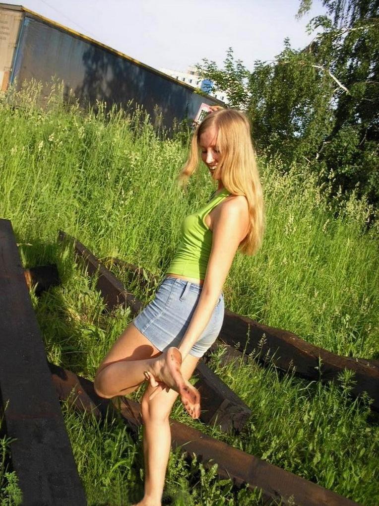 https://www.imageup.ru/img121/3464252/elena3.jpg