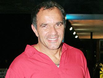 http://www.imageup.ru/img145/humberto-martins-nota-333328176.jpg