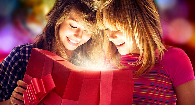 подарок на 18 лет девушке от подруг