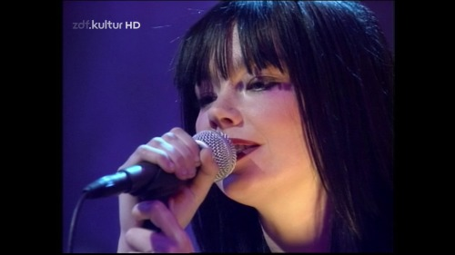 Bjork - Later With Jools Live 1996