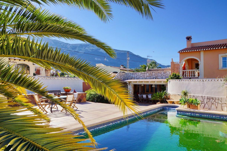 Каковы особенности совершения покупки недвижимости в Испании